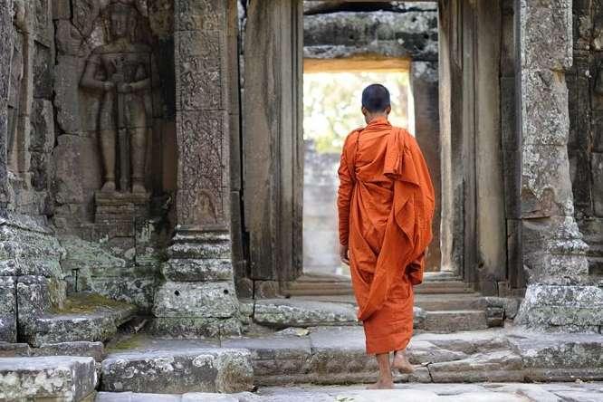About Sak Yant Monks