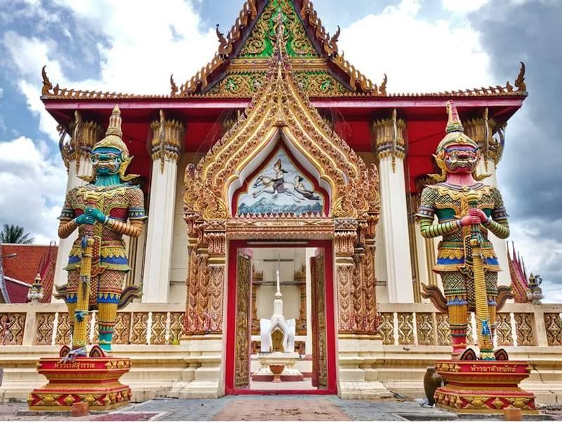 sak yant in bangkok wat bang phra